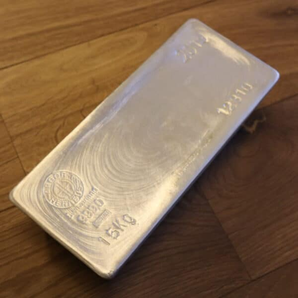 Danmarks Største Sølvbarre på 15 kg - 15000 gram. Vitus Guld har Danmarks Største udvalg af sølvbarrer online- Investering i sølv til de bedste sølvpriser