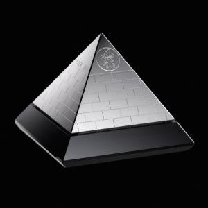 Eksklusiv sølv pyramide i 99,99 % rent sølv - finsølv. Sølv investering hos Vitus Guld
